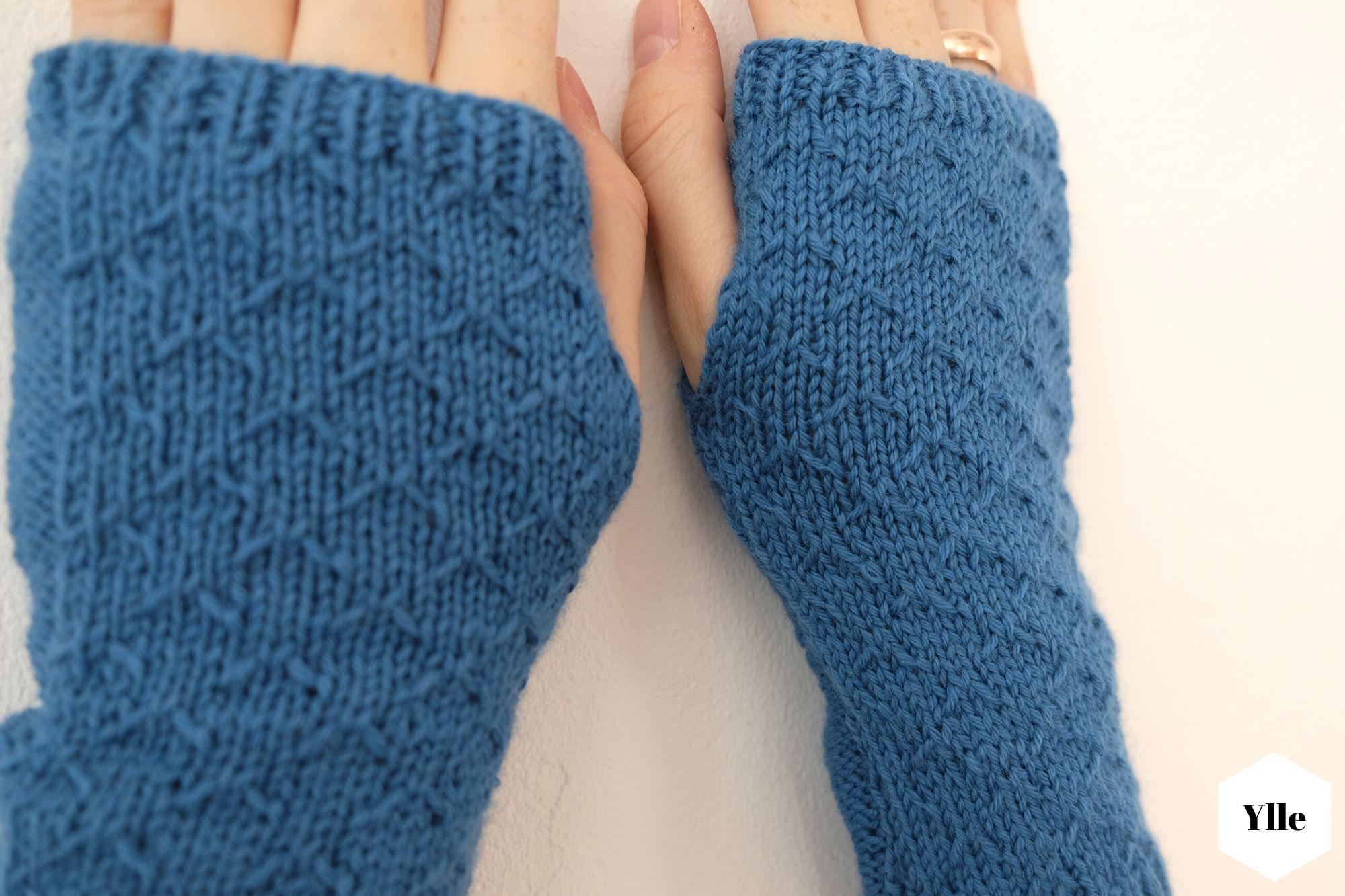 In der Regel liegen Armstulpen eng an und bedecken die Handknöchel